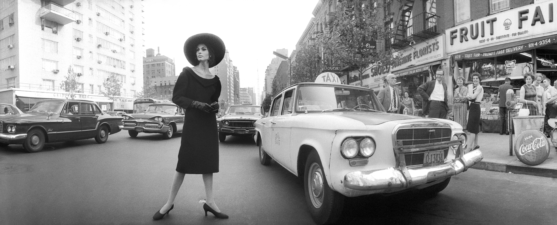New York City street scene © Norman Parkinson - Eduard Planting Gallery